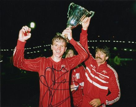 Alex McLeish, Aberdeen, signed 10x8 inch photo.